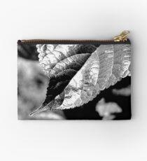 Leaf Contrast Studio Pouch