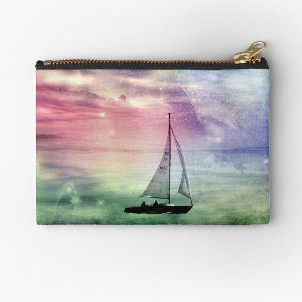 Fantasy Sailing © Zipper Pouch