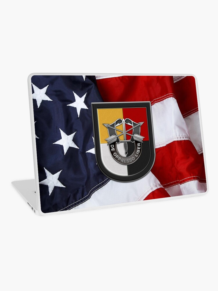 U S  Army 3rd Special Forces Group – 3 SFG Beret Flash over American Flag |  Laptop Skin