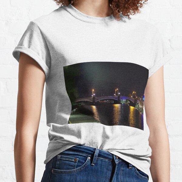 Princes Bridge, Melbourne Classic T-Shirt