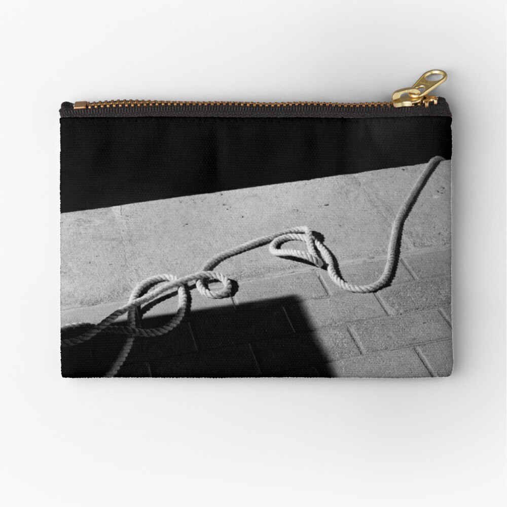 The Hanging Rope Zipper Pouch