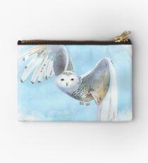Snowy Owl In Flight Studio Pouch