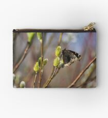 Now this is a sign of spring!!!! Studio Pouch