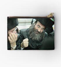 Shabbat Faces . Harcikn Dank ! A dank  ojch zejer! .Leżajsk. ### 130 ### , by Andrew Brown Sugar  Studio Pouch
