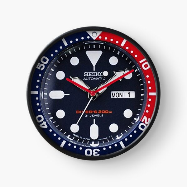 Seiko SKX009 Diver Automatic 200m Pepsi Bezel (Red and Blue) - a Vintage Automatic Diver Watch Clock