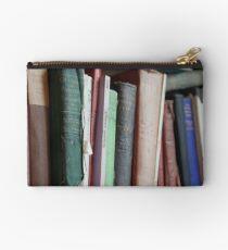 Books to read. Studio Pouch