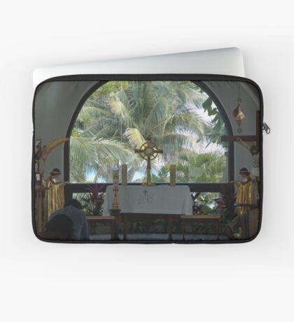 Altar amid Palms Laptop Sleeve