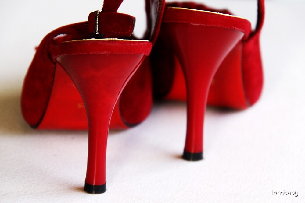 red shoes by lensbaby