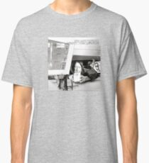 ill (vinyl square version) Classic T-Shirt