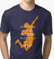 Camiseta de tejido mixto Haikyuu !! Debido a que las personas no tienen alas, buscamos formas de volar.