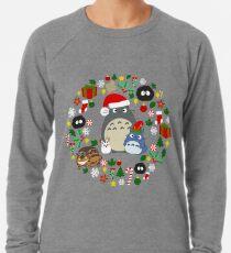 Weihnachten Totoro in Feuerzeug Grey - Urlaub, Weihnachten, Geschenke, Pfefferminze, Candy Cane, Mistel, Schneeflocke, Weihnachtsstern, Anime, Catbus, Ruß Sprite, blau, weiß, Manga, Hayao Miyazaki, Studio Ghibl Leichter Pullover