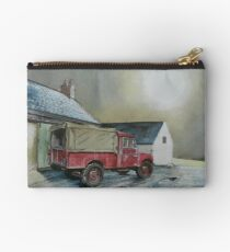 An 'august' Landrover Studio Pouch