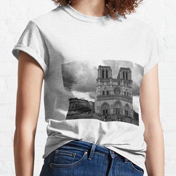Entrance of Notre Dame Cathedral – Paris, France Classic T-Shirt