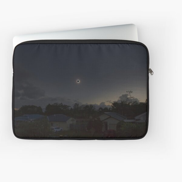 Cairns Total Solar Eclipse 14-11-2012 Laptop Sleeve