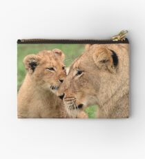 I love my mommy! Studio Pouch