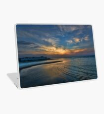hypnotic sunset at Tel Aviv port Laptop Skin