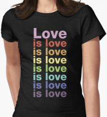 Liebe ist Liebe Tailliertes T-Shirt