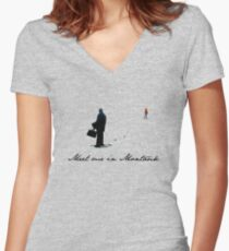 Meet Me in Montauk... Women's Fitted V-Neck T-Shirt