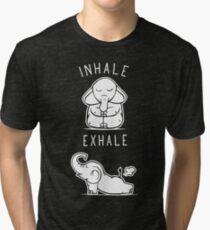 Lustiger Elefant inhalieren Yoga ausatmen Vintage T-Shirt