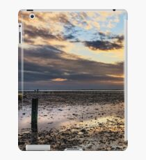 Oyster Faming iPad Case/Skin