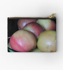 Just a bunch of apples Studio Pouch