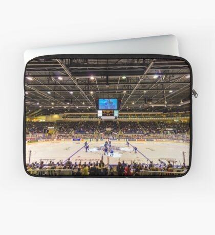 Good 'Ol Hockey Game Laptop Sleeve