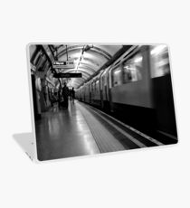 London - The Piccadilly Line Earl's Court 2 Laptop Skin