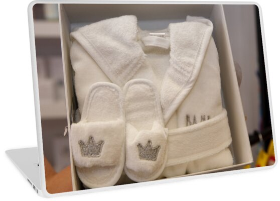 Royal baby dressing gown & slippers set\