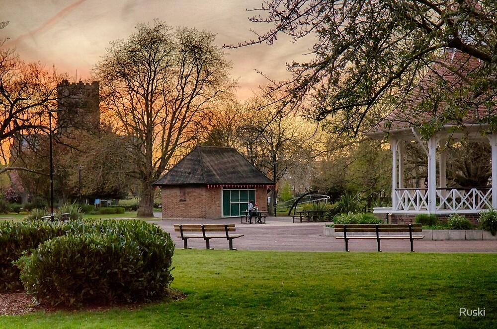 Springtime Sunset in Chapelfield Gardens by Ruski