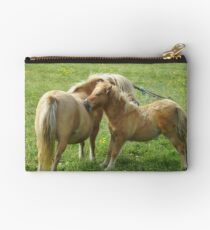"""you scratch my back"" Studio Pouch"