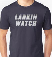 Camiseta ajustada Larkin Watch (blanco) - Diseño de ventilador de rol crítico