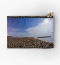 Follow the path of the full moon Studio Pouch