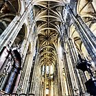 The nave of St-Eustache by cclaude