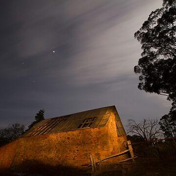Barn by RainyMaree
