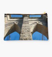 Brooklyn Bridge Blue Arch 01 Studio Pouch