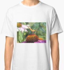 Butterfly eating Classic T-Shirt