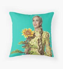 Kristen Wiig - SNL Throw Pillow