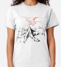 Roter Drache über einer einzelnen einsamen Spitze - Fan Art Classic T-Shirt