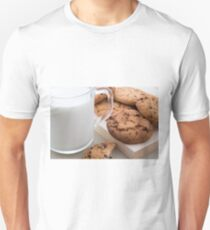 Milk and oatmeal cookies with chocolate T-Shirt