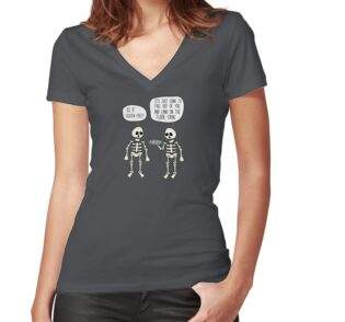 Tailliertes T-Shirt mit V-Ausschnitt