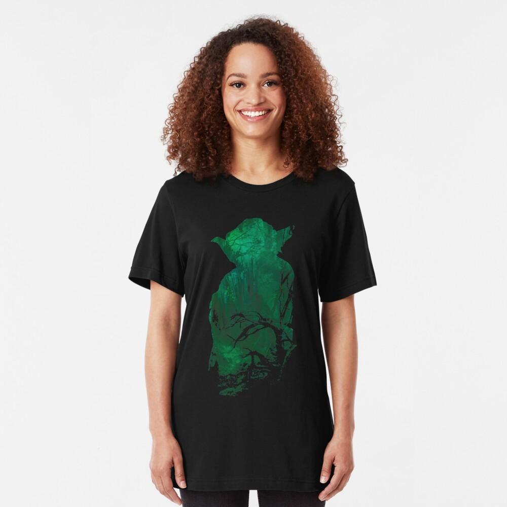 Kraft und Weisheit Slim Fit T-Shirt