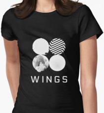 Camiseta entallada para mujer Logotipo de BTS Wings (negro)