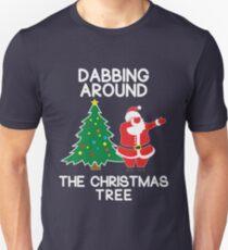 Dabbing Around the Christmas Tree - t-shirt T-Shirt