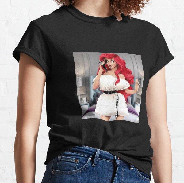 Mädchen mit Kissen Classic T-Shirt