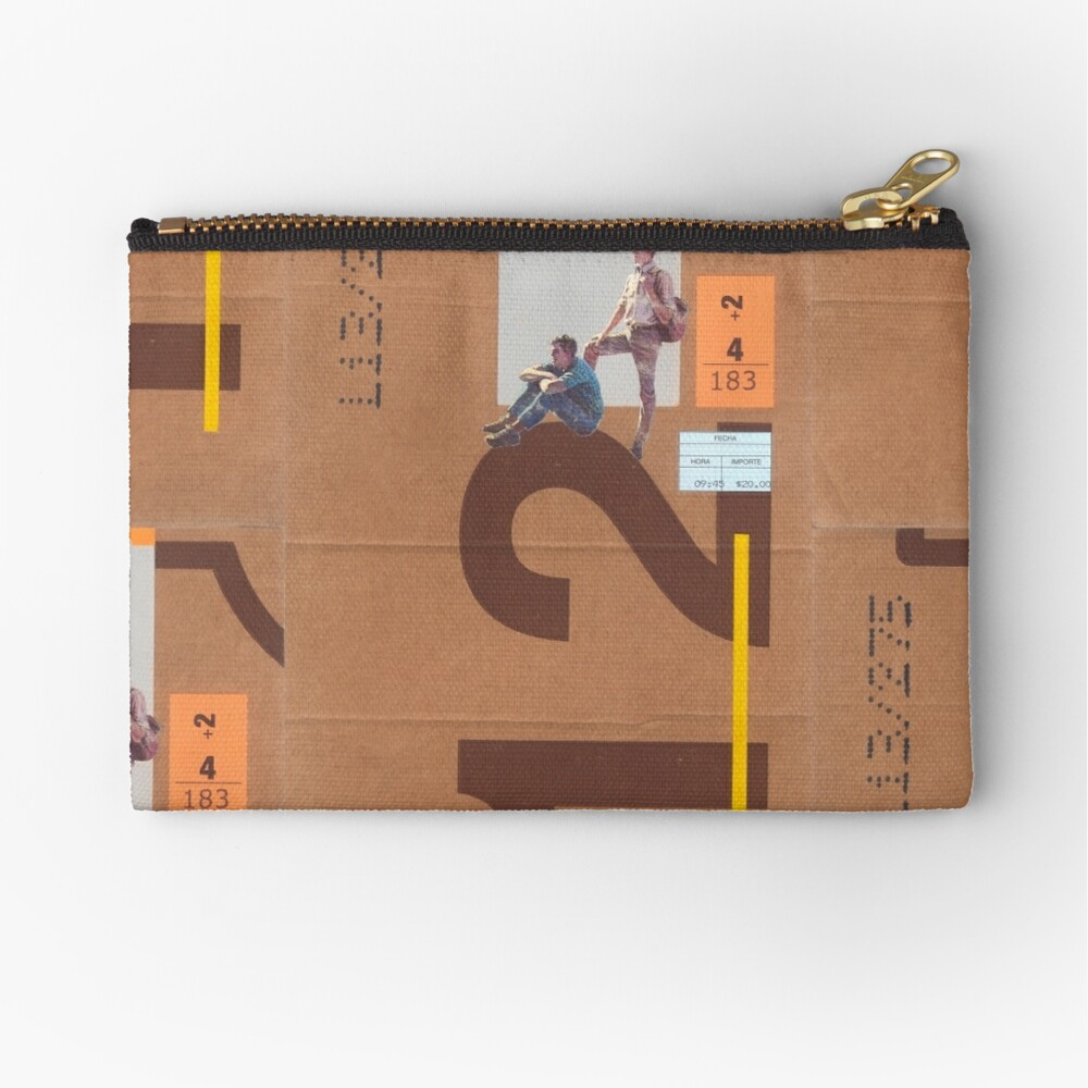 Outside Zipper Pouch