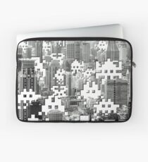 Space Invaders ! Laptop Sleeve