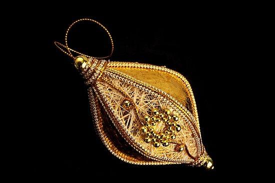 Golden Sparkle by Ellesscee