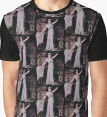 Dramatic Cleopatra  Graphic T-Shirt
