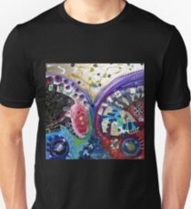 Exploding this Reality' - Queen (No. 10 in the Rock Art Music Series) T-Shirt