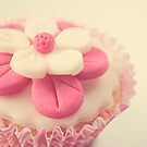 Pink Cupcake by Lyn  Randle